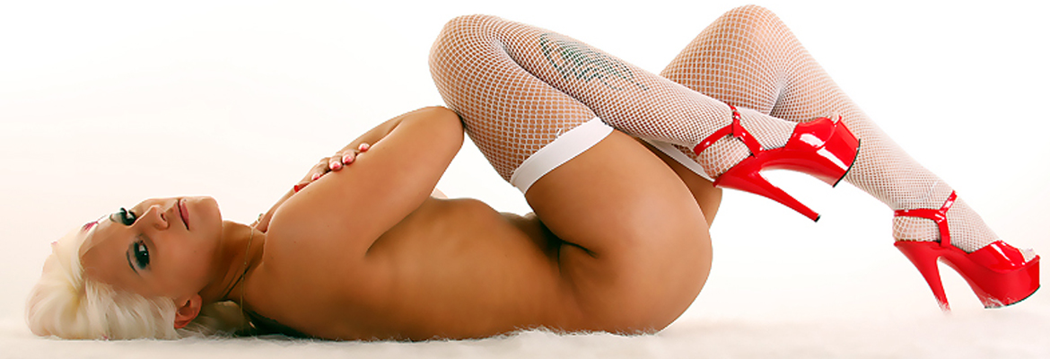 Luckys Cabaret Strip Club Connecticut | Rock & Royalty Clubs